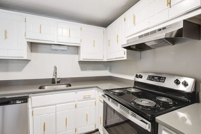 white kitchen cabinets from Peaks on Drake